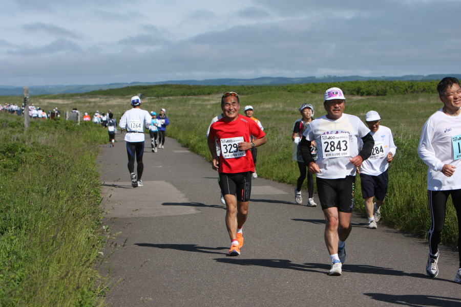マラソン 選手 時速